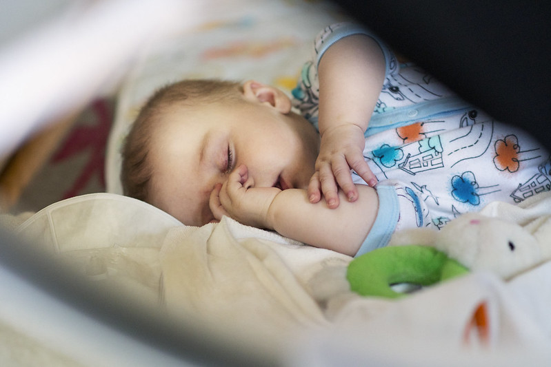 habiller-bebe-nuit