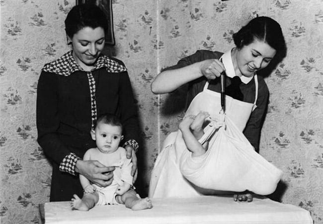 pèse bébé crochet
