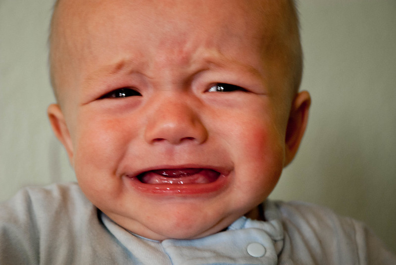 pleure de décharge bébé